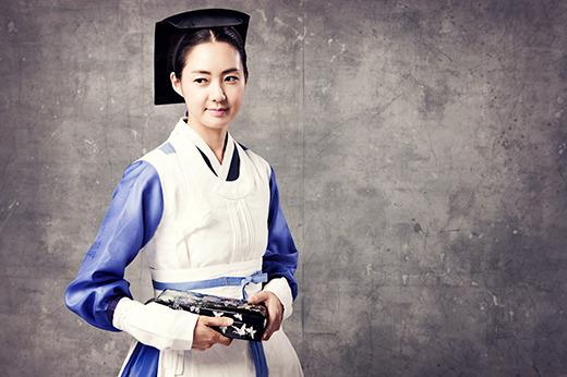 イ・ヨウォンは、「ジニョンは朝鮮時代の女性だが、慣習と規範に縛られず素直な現代の女性像を見せる予