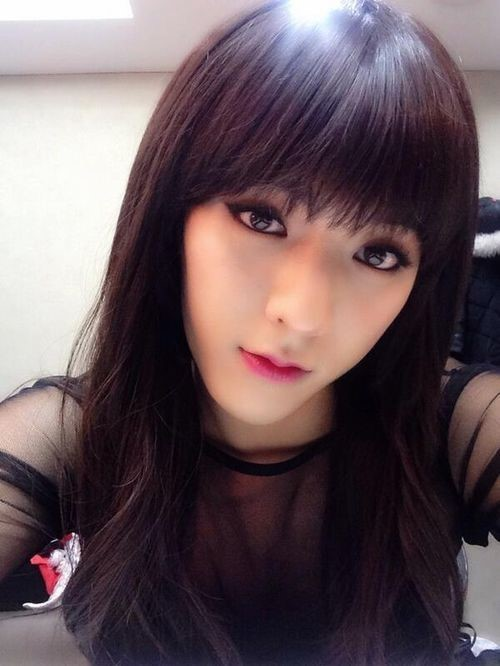 Btob ミンヒョク、女性より綺麗な女装セルフショット公開 女装が自然! Entertainment 韓流